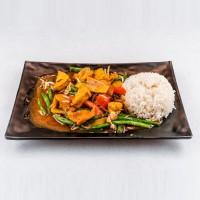 Veganský pokrm s tofu